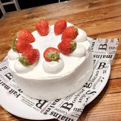 おやつ/手作り/デザート/スイーツ/いちごのケーキ/バースデーケーキ/... 先日、次男の誕生日に作ったケーキ 苺のシ…