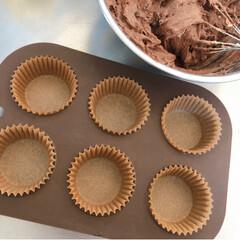 お菓子作り/カップケーキ/チョコマフィン/焼き菓子/ホットケーキミックス/簡単/... 先日作った チョコチップたっぷり カップ…(4枚目)
