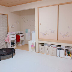 和室/子供部屋女の子/子供部屋インテリア/子供部屋/カラーボックス/雑貨/... 我が家の子供部屋になっている和室です😄 …