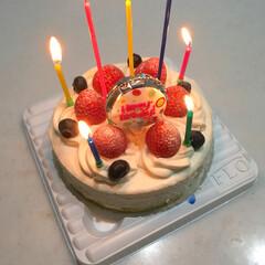 ケーキ/ショートケーキ/バースデーケーキ/バースデー/フード/スイーツ 昨日、母からバースデーケーキを貰いました…
