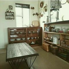 和食器/100均リメイク/ミックススタイル/ミックスインテリア/和風モダン/和風家具/... 我が家です。  右のカウンター下の棚は、…