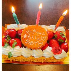 いちご/苺のミルフィーユ/ミルフィーユ/キッチン/住まい 誕生日🎂苺のミルフィーユ🍓 ロウソクもつ…