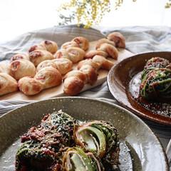 朝食/自家製パン/ロールキャベツ/サボイキャベツ/手作りパン/朝ごパン/... ベーコンエピと ゴルゴンゾーラのエピと …