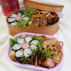 おにぎらず/海苔巻き/花弁当/ランチボックス/今日のお弁当/OBENTO/... お花弁当♪  海苔巻き ウインナー 焼き…