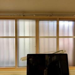 ポリカ中空ボード/ポリカツイン/原状回復可能/断熱窓/引き違い窓/DIY/... 寒かった北側の外廊下に面した窓を断熱化。…