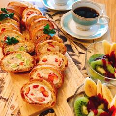 朝ごはん/フランスパン/夫作/LIMIAごはんクラブ/おうちごはんクラブ 夕べ娘が明日はお弁当いらないから。もっと…