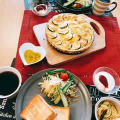 洋食/朝ごはん/残った野菜はラップして/食べたものぐらいさげて/LIMIAごはんクラブ/おうちごはんクラブ/... 今日の朝ごはん 夫作(^o^;)  おす…