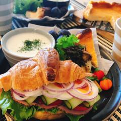 手作りごはん/チーズケーキ/クロワッサンサンドイッチ/朝ごはん/ダイソー/セリア 昨日の朝ごはん 夫作♪ おすすめは じゃ…