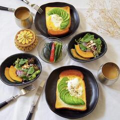 ヘルシー/野菜たっぷり/ラピュタパン/トースト/サラダ/朝ごはん/... アボカドラピュタパン!!  マヨネーズを…