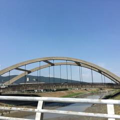 橋/おでかけ/風景 今日も暑いですねー🥵 通勤途中に見える橋…