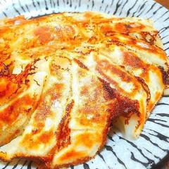 冷凍食品/冷凍餃子/雪松/餃子の雪松/餃パー/餃子の皮アレンジ/... おはようございます👋😃☀️  「餃子の雪…(1枚目)