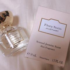 衝動買い/金木犀/jasmine/ジャスミンの香り/ジャスミン/floranotisjillstuart/... いい匂いがするな〜と思ってお店に吸い寄せ…