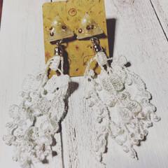 イヤリング/ピアス/秋ファッション/DIY/インテリア/ハンドメイド/... ホワイトレジン×ホワイトレースのピアスを…