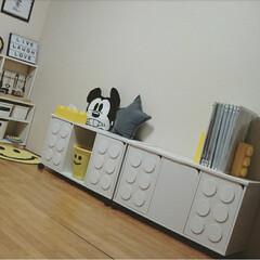 カラーボックスリメイク/カラーボックス/ニトリ/子供部屋/おもちゃ収納/DIY/... ニトリの扉付きカラーボックスをリメイクし…