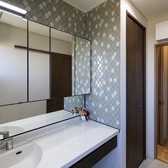 LIXIL/タイル/収納/洗面所/わたしのお気に入り/ルミシス/... 洗面所でーす😍脱衣室と洗面所は分けました…