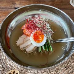 韓国料理/ダイソー/麺類大好き/ひとりごはん/お昼ごはん/ランチ/... 自家製水キムチの汁で つゆをといて食べる…(1枚目)