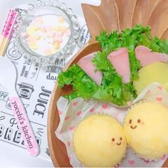 手作りパン/子ども朝ごはん/朝食/あさごはん/春のフォト投稿キャンペーン/LIMIAごはんクラブ/... 手作り蒸しパンの朝ごはん   お顔も書い…