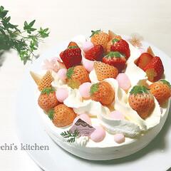 手作りケーキ/誕生日ケーキ/ケーキ/苺/平成最後の一枚/春のフォト投稿キャンペーン/... こちらは大人用ケーキ  苺のムースケーキ…