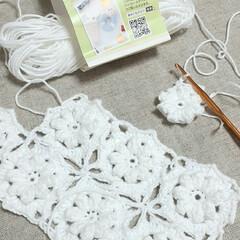 かぎ針編み/ハンドメイド/セリア/モチーフ編み/モチーフつなぎ かぎ針編み😊 刺繍糸をガサゴソ探してたら…