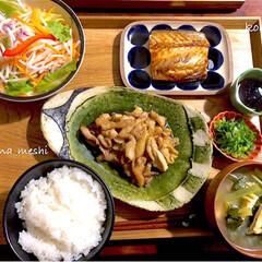 鶏皮ネギポン酢/snapdish/フーディーフール/foodietable/cottaアンバサダー/cotta/... 今日の夜ご飯 ✤鶏皮ネギポン酢 ✤焼き鯖…