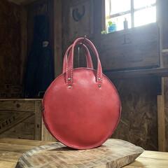 レトロ/カバン/バッグ/革細工/ハンドメイド/作業部屋/... 久しぶりのバッグの作製。 当たり前…