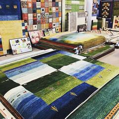 ギャベ/ギャッベ/絨毯/カーペット/自然素材/天然素材/... 約250点を展示しております。 世界に一…