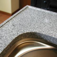 天板/カウンター/御影石/手作業/漆/エッジ  キッチンの設計は細かな部分が重要です。…
