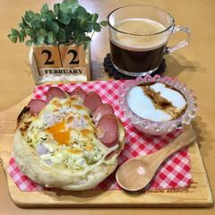 朝ごはん/お家ごはん/暮らし 昨日焼いたパンで朝ゴパン! 巣篭もりトー…