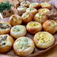 パン焼き/自家製パン/手作りパン/焼き立てパン/パン/至福のひととき/...  焼き立てパン4種!! 今日はおかずパン…