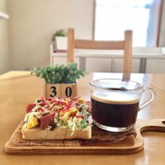 お家カフェ/朝ごはん/朝ゴパン/高級食パン/リミアの冬暮らし/我が家のテーブル/...  休日の朝。 に志かわの食パンで朝ゴパン