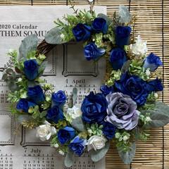 ダイソー/サンキ/青いバラ/くーちゃん頑張ってみました/ハンドメイド/リース/... 久しぶりのリース❣️ 青いバラの花言葉……