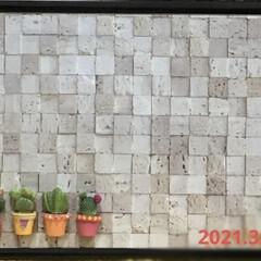 再利用/マグネットボード/ライフスタイル/暮らし/暮らしを楽しむ/おうち時間/... 3月16日 マグネットボードに、壁紙貼っ…(1枚目)