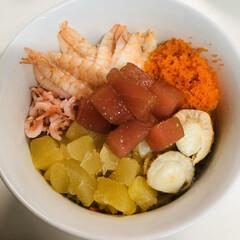 おうちカフェ お家ご飯 海鮮丼作りました🤗