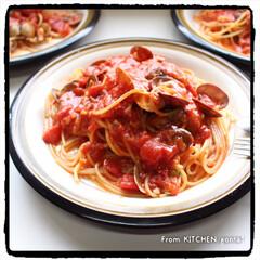 料理好きな人と繋がりたい/器好きな人と繋がりたい/アンティーク食器/HOYA/ストーンウェア/ボンゴレロッソ/... トマト缶で簡単に★ボンゴレロッソ🍝 …
