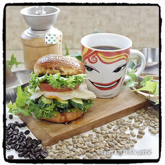 自家焙煎珈琲/おうちロースタリー/コーヒー/手作り/チャチャっと飯/照り焼き月見バーガー/... The Roastでいただく、極上のモー…