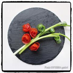 薔薇🌹のつもり/ベジタブルカービング/カービング/タイカービング/芽キャベツのバルサミコ炒め/アスパラとベビーホタテのバターレモ.../... コストコで仕入れた野菜を使った✨ワンプレ…(6枚目)