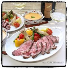 牛肉の塊/コストコ/和洋折衷/洋食器/和食器/キッチンポケットにrecipe掲載中/... ローストビーフ🐄with野菜グリル🍅 …