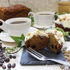 新生活/コーヒー焙煎機/珈琲焙煎機/コーヒーのある暮らし/コーヒー好きな人と繋がりたい/お菓子作り好きな人と繋がりたい/... キャロットケーキ🥕とTheRoastで淹…(1枚目)