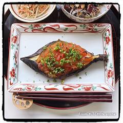 和食器コレクション/和食器好き/たち吉/赤絵/ごぼうサラダ/ひじきのマリネ/... 坊さんの気絶⁈を赤絵に盛って、頂きまーす…(2枚目)