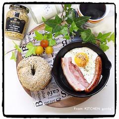 クックパッドrecipe/キッチンポケット/パナソニックビストロ/ワンプレート/朝食/スキレット/... ダブル胡麻ベーグル🥯  おはようござ…