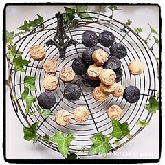 フッ素加工でくっつきにくい大きめサイズのケーキクーラー 30cm 貝印   貝印(その他製菓、製パン用品)を使ったクチコミ「ブラックココアのチョコチップクッキー🍪と…」