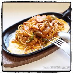 スパゲティ/ナポリタン/鉄板ナポリタン/レシピ付き/簡単レシピ/ちゃちゃっと飯/... 昔ながらの鉄板ナポリタン🍝  こんに…