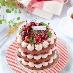 フォレノワール/チョコレートケーキ/手作りスイーツ/手作りケーキ/手作りお菓子/手作りデザート/... 🍒フォレ・ノワール  少し小さめの4号サ…(1枚目)