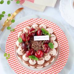 フォレノワール/チョコレートケーキ/手作りスイーツ/手作りケーキ/手作りお菓子/手作りデザート/... 🍒フォレ・ノワール  少し小さめの4号サ…(2枚目)