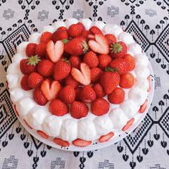 誕生日ケーキ/誕生日/春のフォト投稿キャンペーン/LIMIAごはんクラブ/わたしのごはん/おうちごはんクラブ/... いちごたっぷりケーキ🎂