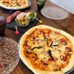 HB/おうちじかん/家族時間/ホームベーカリーレシピ/手作りピザ/おうちごはん こんな時だから☺︎ おうちでピザ生地を作…