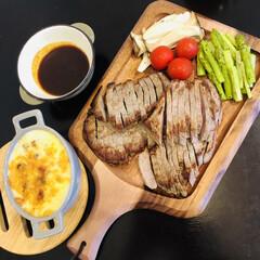 ケヴンハウン 木製 カッティングボード&モーニングトレイ 122 S KEVNHAUN   佐藤商事(まな板)を使ったクチコミ「夕食になります! 息子に夕飯何がいい?っ…」