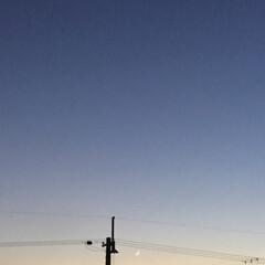 新月/夕焼け大好き/夕暮れ風景/今日の夕焼け 日没 17:21 今日も一日お疲れ様でし…(2枚目)