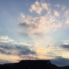 いま空/夕焼け雲/夕暮れ風景/夕焼け大好き 日没 18:48 今日も一日お疲れ様でし…(1枚目)