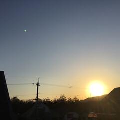 今日の空/夕焼け大好き 今日の夕焼け 日差しは初夏ですよ❣️ 昨…